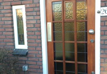 Glas in lood deur restauratie en zijraam restauratie in dubbelglas isolatie glas Alpen aan den Rijn Heart Glass Utrecht